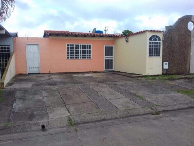 Vendo Casa en Conjunto Residencial Los Girasoles