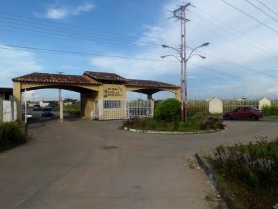 Vendo Casa En Urbanizacion Juana La avanzadora Zona Industrial De Maturin