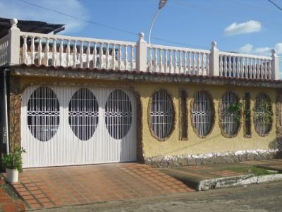 Casa en Venta Ubicada en Los Guaritos II, Maturin