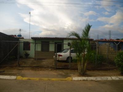 Casa en Venta Ubicada en Complejo Paramaconi, Parroquia Los Godos, maturin