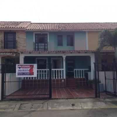 Town House en Tipuro, Urbanización Bello Campo