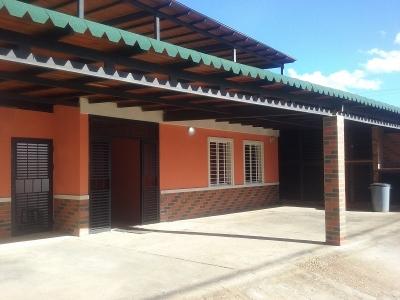 Casa en Urbanización Bello Campo, sector Tipuro