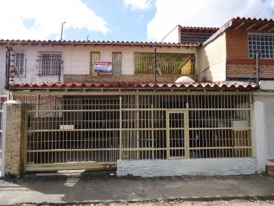 Town House en Las Avenidas