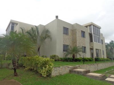 Venta de Apartamento Duplex En San Miguel, Los Robles
