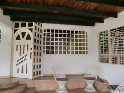Casa en Venta Tipuro Altos de Caruno