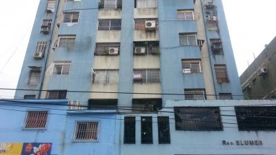 Se Vende Apartamento en el Centro Edificio Elumer