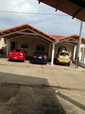 Casa en Venta de Lujo Amoblada en Tzas del Norte Guayacan I Tipuro