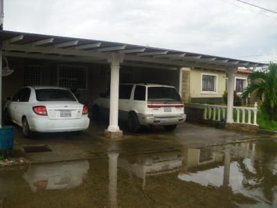 Casa en Venta en Urb. Los Samanes Zona Industrial