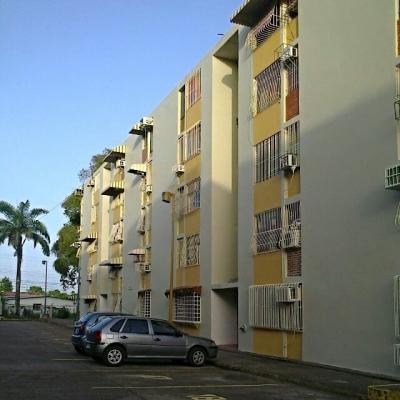 Apartamento en Venta Ubicado en Res. Alberto Ravell Centro