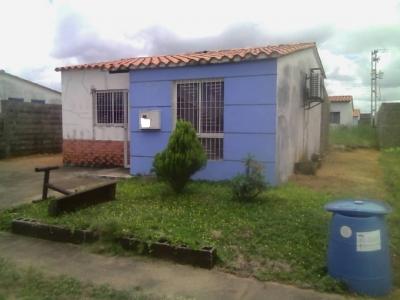 Casa lista de habitar en venta. Urb. El Faro!!