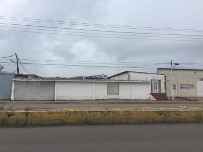 Se Vende Casa En Av. Romulo Gallegos