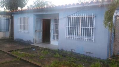 Casa en venta el Los Guaritos, Urb. San Rafael.