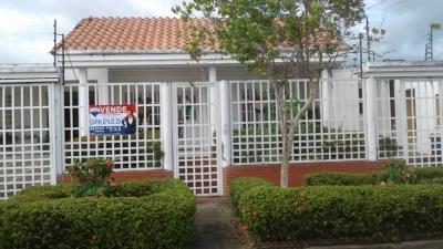 Se Vende Casa en Urb. el Parque