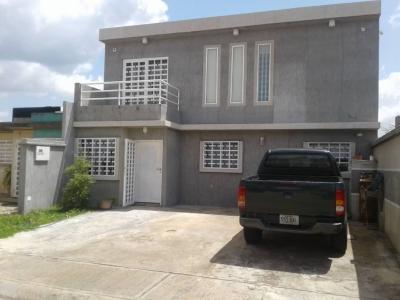 ALQUILER Casa En Urb. Villas de Aguasay