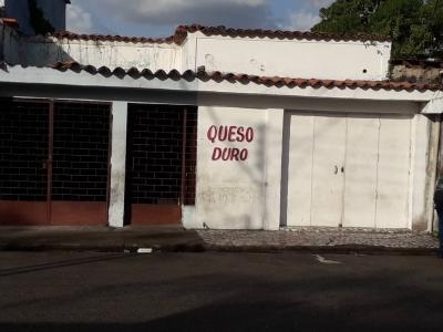 Local Comercial  ubicado calle Esperanza  cerca Avenida Orinoco