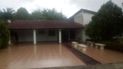 Casa Urb La Laguna