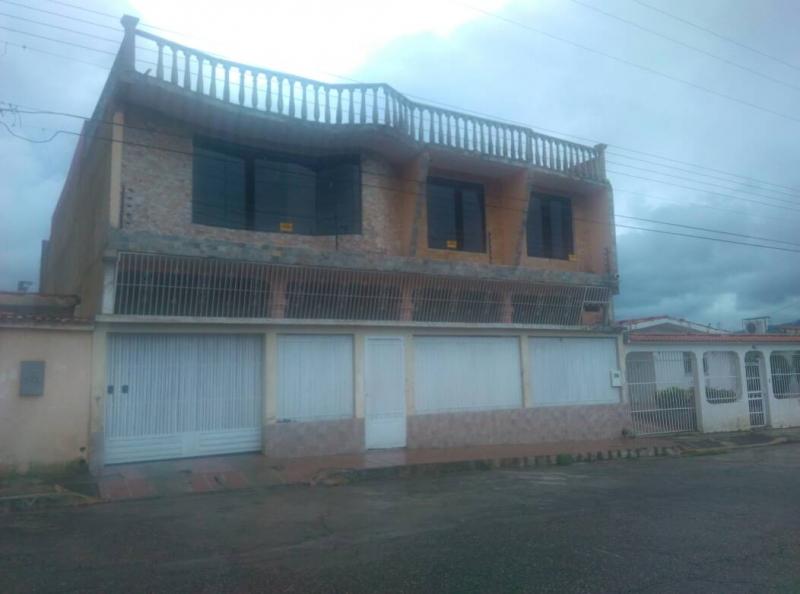 La Esmeralda - Casas o TownHouses