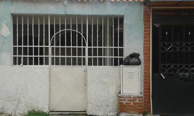 Casa en el Sur de Valencia, Cerca de Estacion de Metro Las Ferias