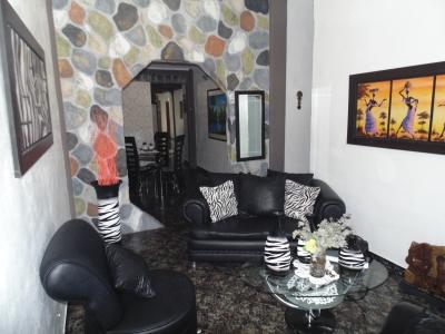 Amplia y acogedora casa en Palma Sola (Flor Amarillo)