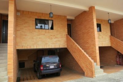 ESPECTACULAR TOWNHOUSE  UBICADO EN EL PARRAL