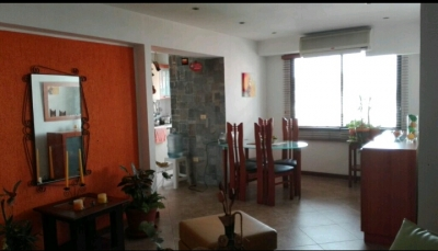 Se vende bello apartamento en la urbanizacion los mangos