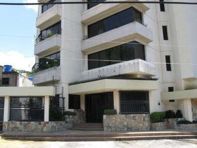 Lujoso Apartamento en Venta - Residencias El Rocio.