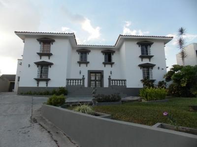CASA EN VENTA GUATAPARO COUNTRY CLUB 460 mts2 PARA REMODELAR