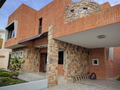 Casa Quinta en Venta en Valles de Camoruco Valencia Carabobo