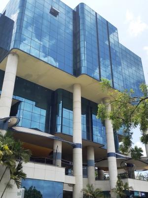 Consultorio en Venta en el Instituto Docente de Urología en La Viña, 53 m2