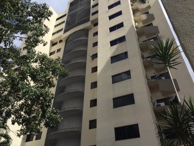 Se vende excelente apartamento duplex