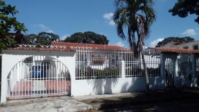 En venta Casa con Excelente ubicación en Trigal Norte, Valencia