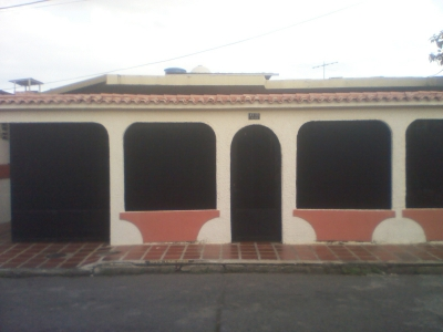 Se Vende Casa en Urb. Ritec, Santa Rosa