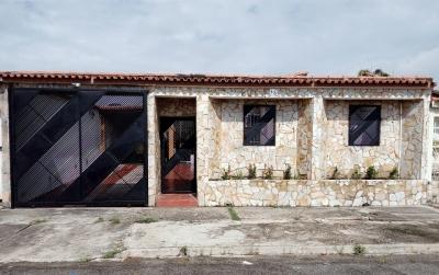 En venta Casa en Parque Valencia