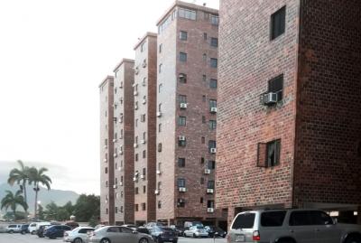 Se Vende Apartamento Resid. El Diamante Urb. Trigal Norte - RAP56