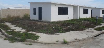 Oportunidad de Inversión Casa en Venta, Urbanizacion Valle Encantado, Flor Amarillo