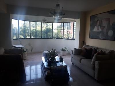 Bello Apartamento en Las Chimeneas