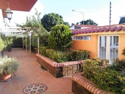 Casa en venta en el Trigal Valencia Carabobo Cod Flex 17-8914