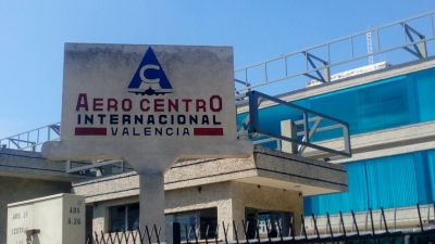 Moderna y confortable oficina en Centro Comercial Aerocentro Internacional