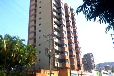 Alquiler Oficina Calle 123 a 50 M2 de la Av. Bolívar Norte - ROF4
