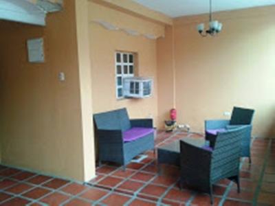 Vendo comoda casa en Valencia Ricardo Urriera