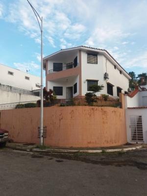 Venta de bella casa en terrazas de los nisperos valencia