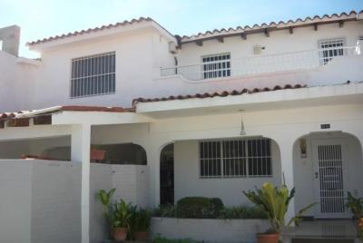 Venta de Casa Trigal Norte Valencia Carabobo MLS# 18-13506