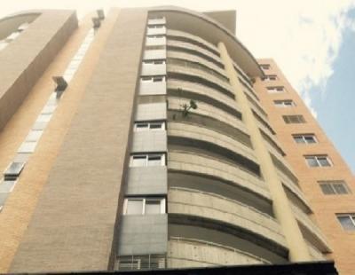 Hermoso y Moderno Apartamento Remodelado de 155 M2 , Ubicado en la Trigaleña