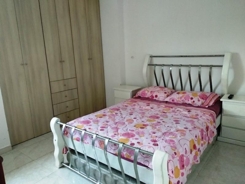 Bello apartamento en Campo Alegre, Valencia norte 19-4971