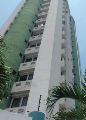 RE/MAX vende bello apartamento de 79 m2  en Los Mangos