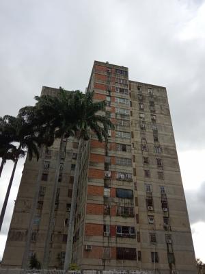 Apartamento amplio ubicado en la Avenida Bolivar