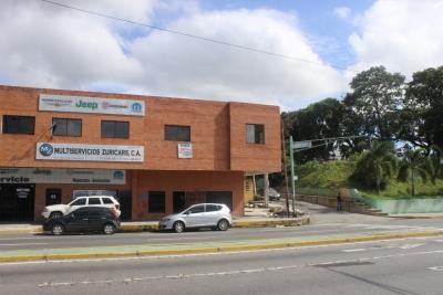 ALQUILER DE LOCAL COMERCIAL DE 220 M2 EN LA AV CEDEÑO DE VALENCIA