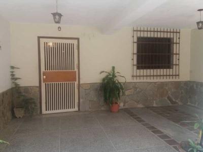 Bella y fresca casa en Los Sauses Valencia
