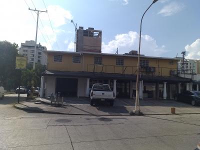Alquiler de Local Comercial en Urbanización Camoruco