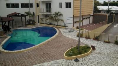 Totalmente amueblado con piscina, Boca Chica